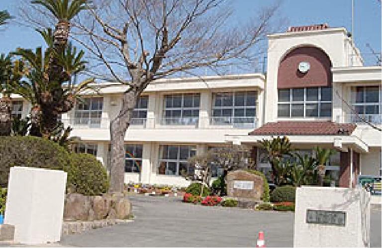井関小学校